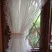 お部屋ごとにバリエーションを変えてお付けした華やかなフリル付のスタイルレースカーテンのご紹介です。